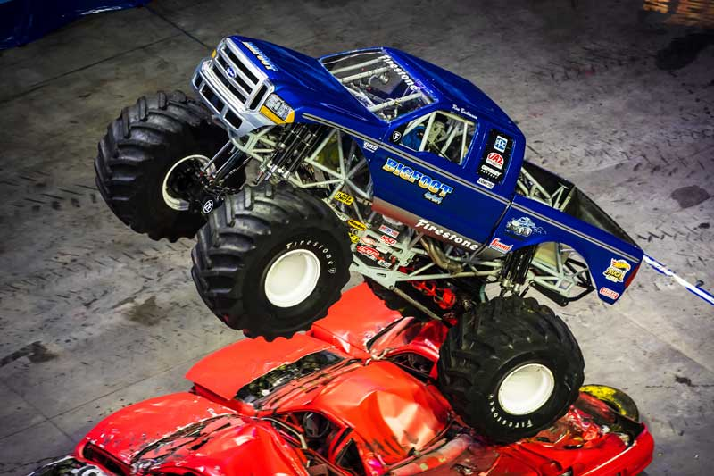 Hot Wheels Monster Trucks Live Features Bigfoot At St Charles Show Bigfoot 4 4 Inc Monster Truck Racing Team